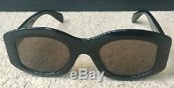 Ex-display Oval Female Céline Sunglasses CL41092