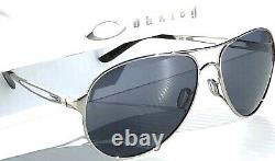 NEW Oakley CAVEAT Silver POLARIZED Galaxy Grey Women's Aviator Sunglass 4054
