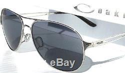 Nouveau Oakley Caveat Silver Lunettes De Soleil Pour Femmes 4054-02 Gris Aviator Gris Iridilum
